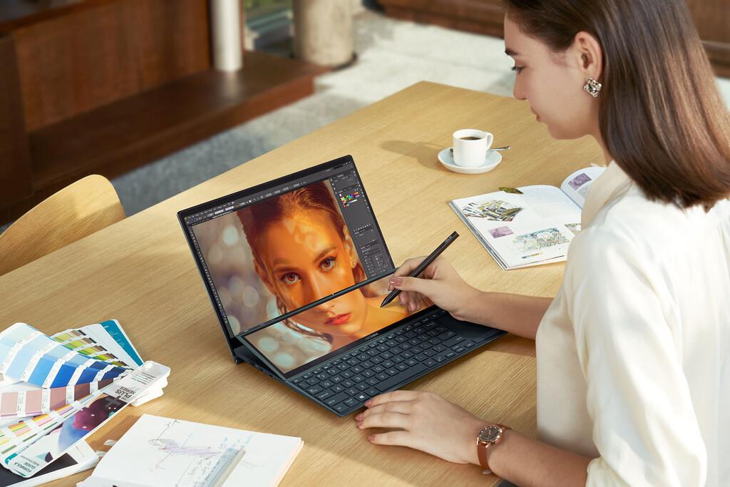 El ASUS ZenBook Duo 14 (UX482) llega a España: éstos son los precios y disponibilidad del portátil de doble pantalla