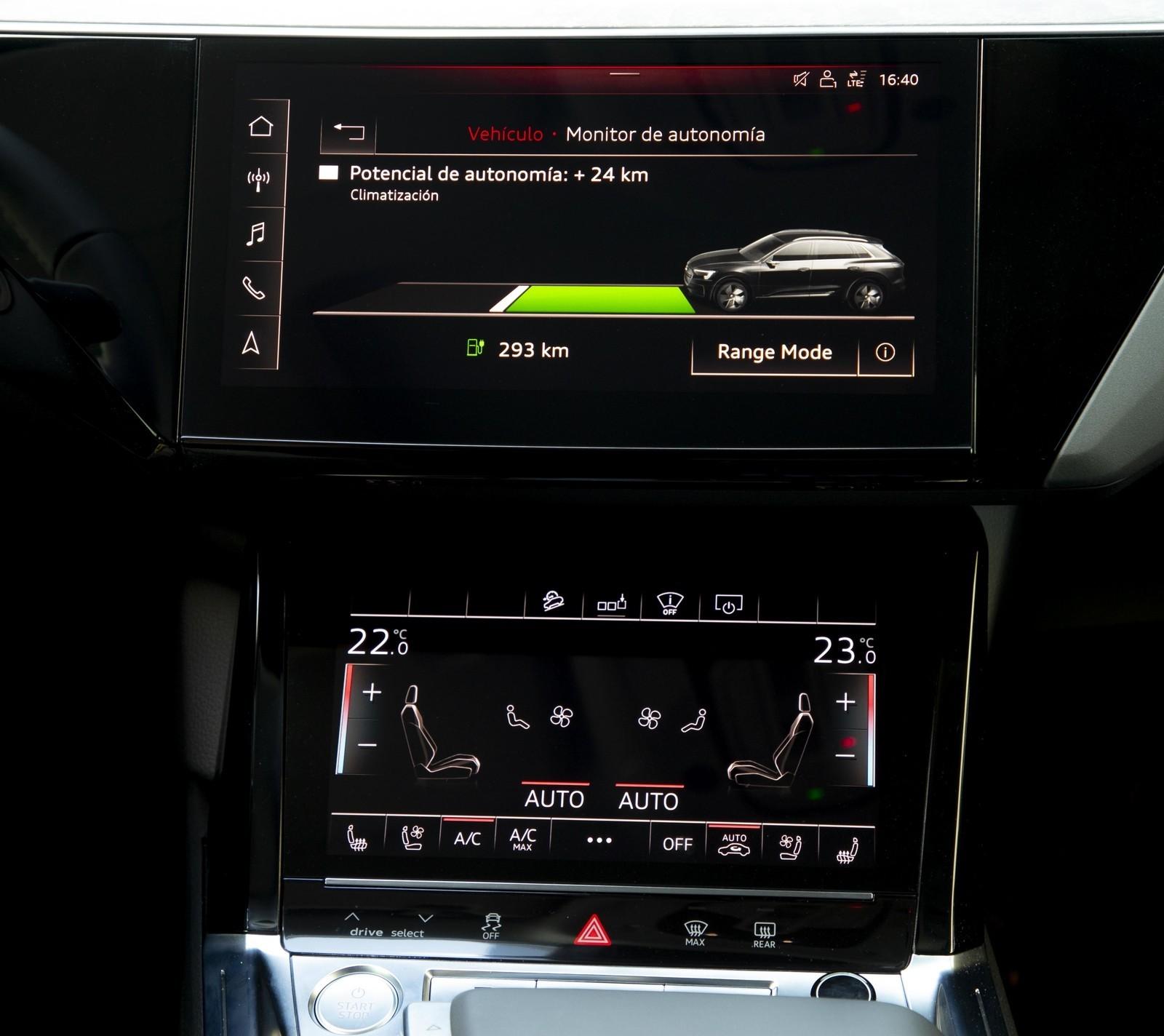 Foto de Audi e-tron (74/111)