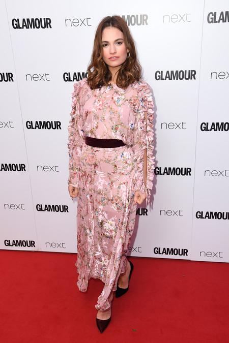 Nicole Kidman Lily James Anna Kendrick Look Glamour Awards 2017 Alfombra Roja 3