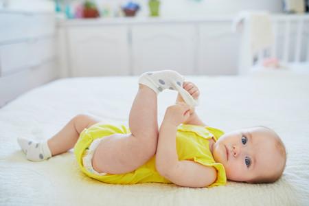 ¡No dejes que tu bebé chupe sus calcetines!: nueve de cada diez en España contienen bisfenol-A y parabenos