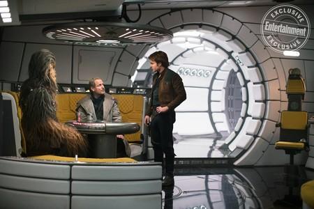 Woody Harrelson con Chewie y Han Solo
