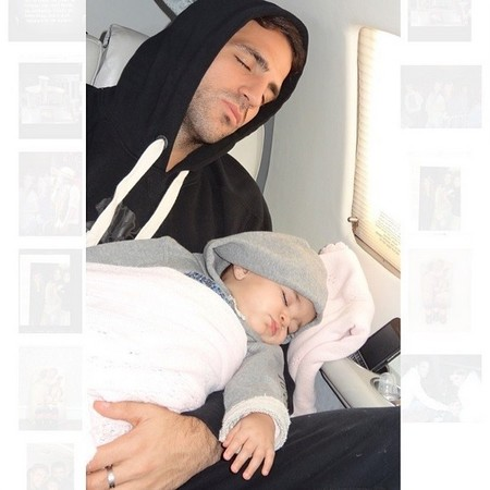 Fábregas y Lia duermen