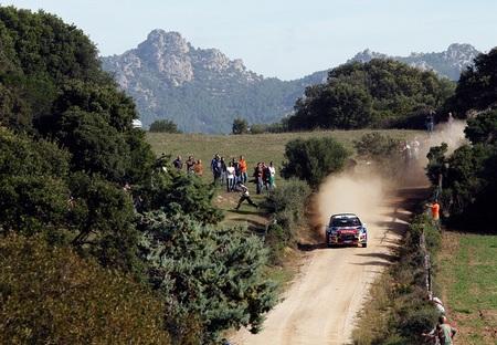 Rally de Cerdeña 2012: Mikko Hirvonen lidera, Sébastien Loeb y Jari-Matti Latvala están fuera