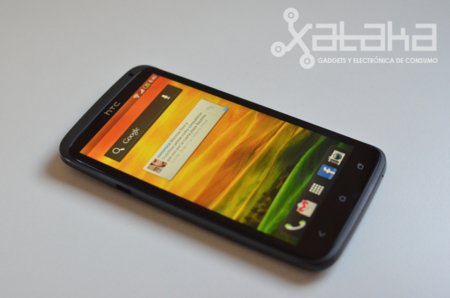 HTC One X pantalla SLCD
