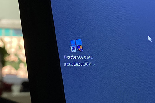 Así de fácil, o no, es actualizar en julio de 2020 a Windows 10 2004, gratis y legal, desde versiones anteriores de Windows
