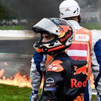 Tremendo: la moto de Dani Pedrosa terminó en llamas en su regreso a MotoGP tras un accidente con Lorenzo Savadori
