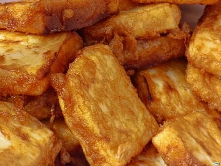 Leche frita. Receta de postre fácil y económico de la cocina española