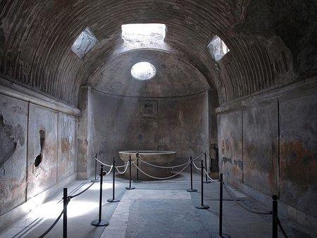 Abren las termas eróticas de Pompeya