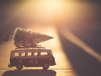 Guía de regalos para flipados de los coches a cualquier precio: desde unos calcetines hasta un coche de verdad