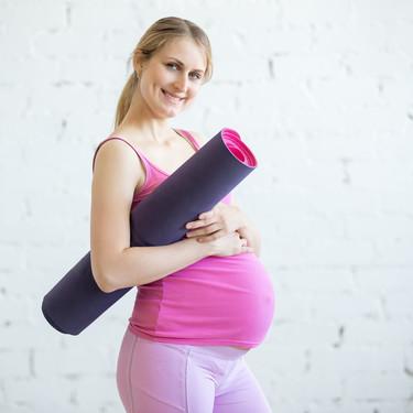 Siete posturas de yoga para embarazadas: asanas recomendadas para el tercer trimestre