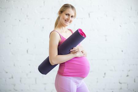 Yoga para embarazadas: siete posturas recomendadas para el tercer trimestre