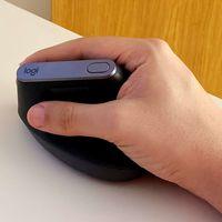 Compré un ratón vertical para entender lo que supone manejar el ordenador con él: entre la ergonomía y la versatilidad