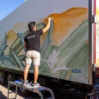 Esta pintura absorbe el CO₂ como los árboles, y apunta a revolucionar el futuro de las emisiones en el transporte