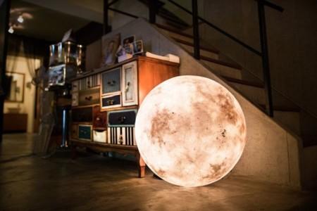 """Con """"LUNA"""" podrás tener la luna en tu habitación (del tamaño que quieras)"""