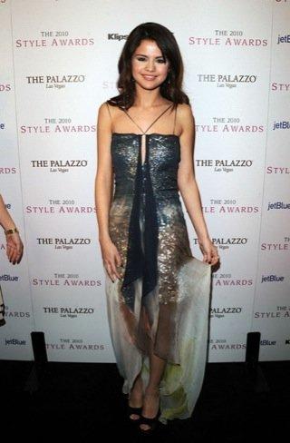 2010 Style Awards: Selena Gomez