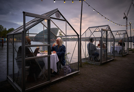 Restaurante Holanda Cabinas Capsulas De Cristal