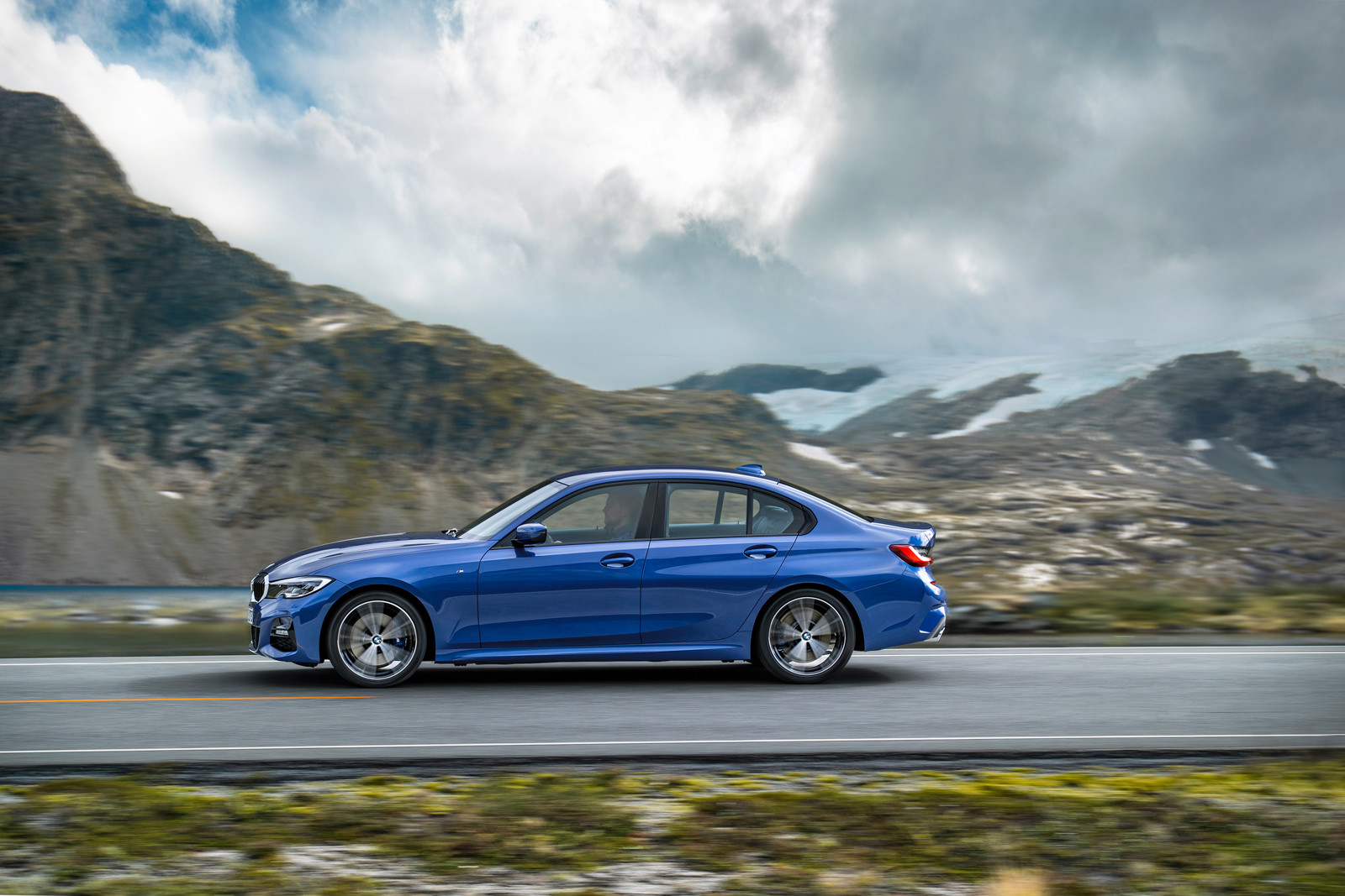 Foto de BMW Serie 3 2019 (19/131)