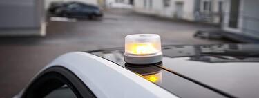 Guía de compra de luces de emergencia V-16 para el vehículo: normativa y cuándo entra en vigor, características y homologaciones