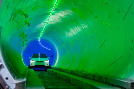 El primer tunel para coches de Elon Musk es real: un vídeo no apto para claustrofóbicos