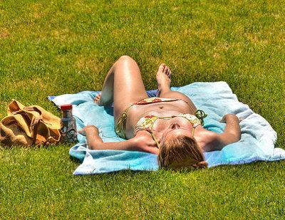 Falsos mitos sobre tomar el sol