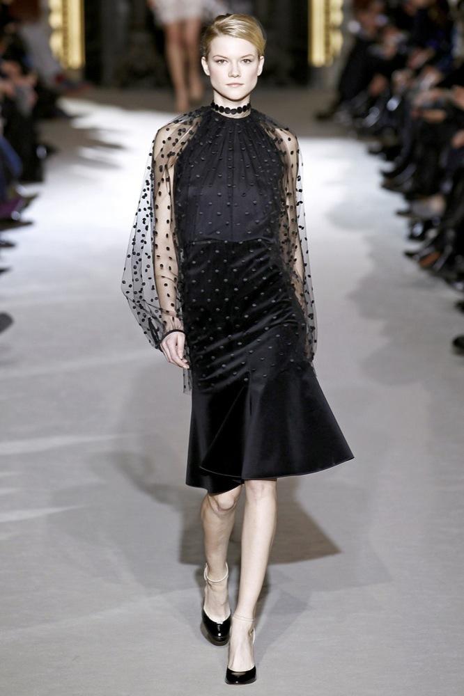 Foto de Stella McCartney Otoño-Invierno 2011/2012 en la Semana de la Moda de París:  (8/25)