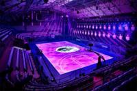 ¿Quién no querría un partido en esta espectacular pista interactiva de baloncesto?