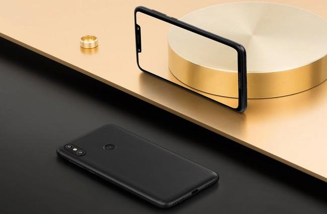 Motorola Moto P30 Note: 6,2 pulgadas con 'notch', 5.000 mAh de batería y hasta 6GB de RAM por menos de 300 euros