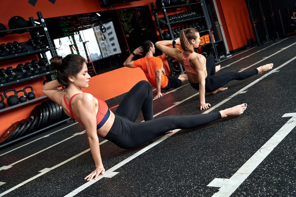 Una rutina de entrenamiento completa con cinco ejercicios de animal flow, para entrenar donde quieras y sin material