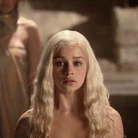 """'Juego de Tronos': Emilia Clarke achaca sus escenas de desnudo a presiones para """"no decepcionar a los fans"""""""