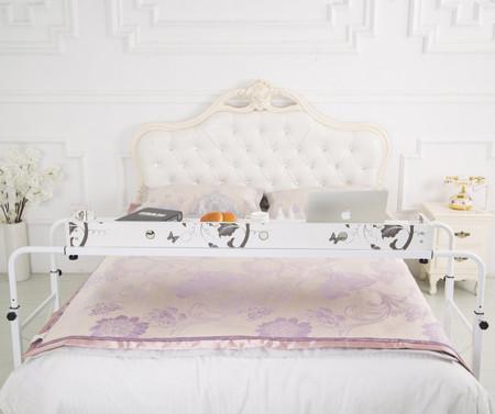 Escritorio que se transforma en mesa para la cama for Mueble que se convierte en mesa