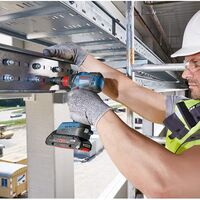Amazon nos ofrece el atornillador de impacto Bosch Professional GDX por 137,99 euros con envío gratis