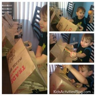 Juego casero para niños: bolsas sorpresa