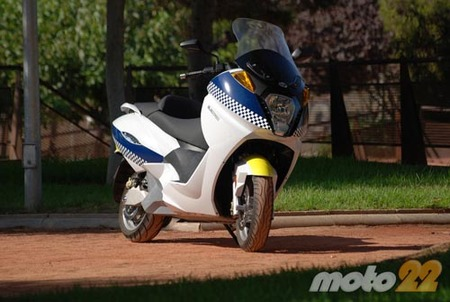 Vectrix VX-1, probamos la moto eléctrica 1/4