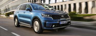 Probamos el Kia Sorento híbrido enchufable: un SUV de siete plazas cómodo, comedido y con consumos más que aceptables