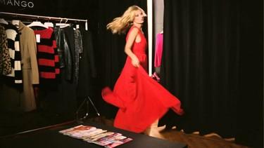 Poca sorpresa y chispa en el anuncio de televisión de Kate Moss para Mango