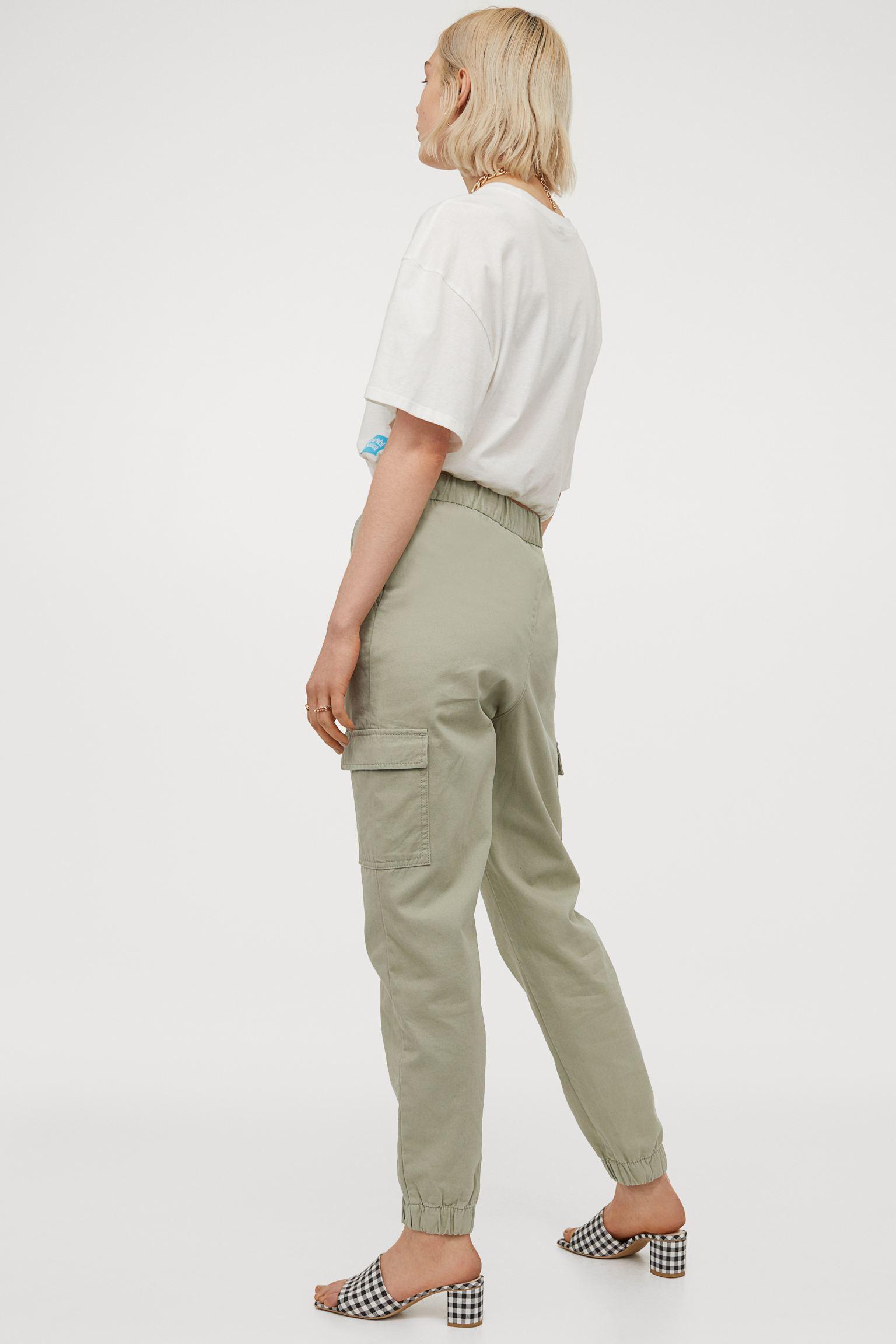 Pantalones cargo de algodón con bolsillos y cintura sin cierres