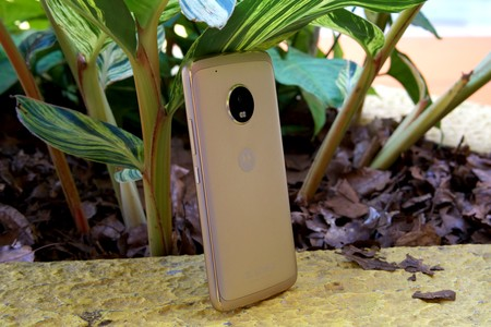 Moto G5 Review 16