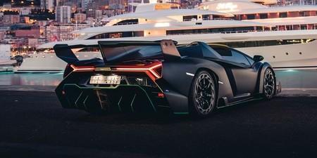 Lamborghini Veneno Roadster2 1579016267