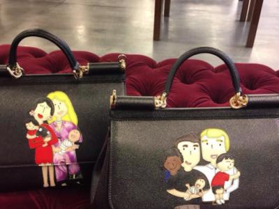 Dolce & Gabbana zanja la polémica con los padres homosexuales a golpe de bolso