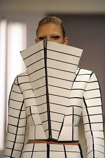 Foto de Gareth Pugh en la Semana de la Moda de París Primavera-Verano 2009 (20/28)