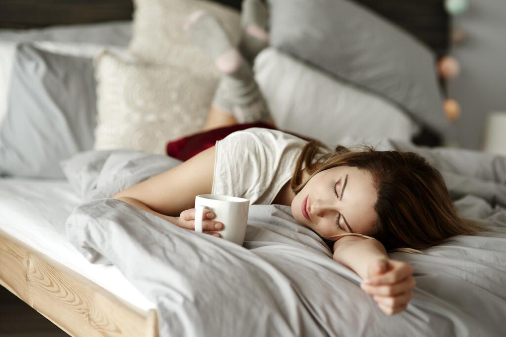 Aprovecha el verano para echarte la siesta: la unión del café y una nap power te ayuda a tener una tarde más productiva y con energía