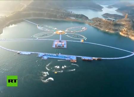 Caminar sobre las aguas ya es posible en China. Vídeo