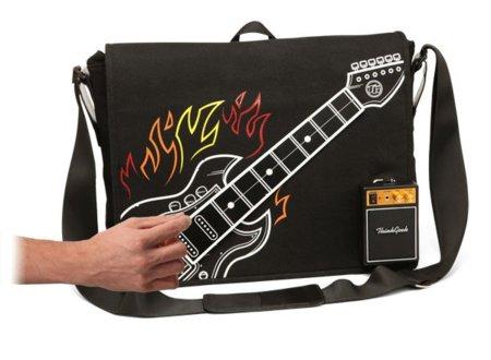 Una guitarra eléctrica integrada en tu bandolera
