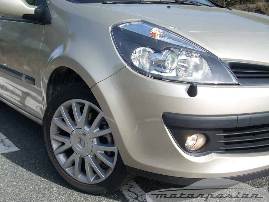 Foto de Renault Clio 2.0 16v (4/28)
