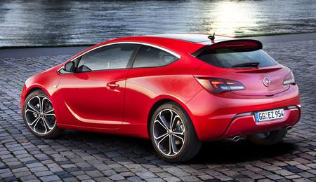 Opel Astra 2.0 CDTI BiTurbo y sus rivales