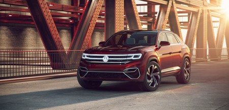 Volkswagen Atlas Cross Sport concept, el T-Roc norteamericano será gigante, híbrido y enchufable