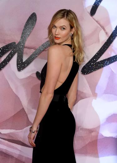 ¿Ana Beatriz Barros o Karlie Kloss? Las dos top models optan por el color negro para asistir a los British Fashion Awards 2016