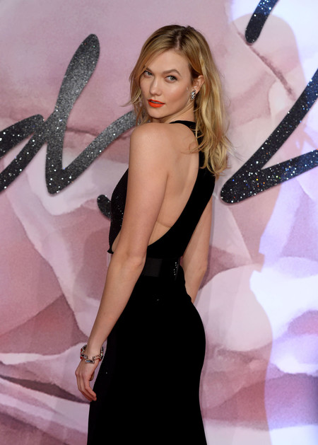 ¿Ana Beatriz Barros o Karlie Kloss? Las dos top models optan por el color negro para asistir a los British Fashion Awards 2016