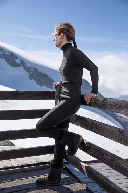 Oysho Gymwear Ski Editorial 4