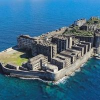 Hashima, el islote que compró Mitsubishi: de infierno minero para 5.000 personas a destino turístico morboso
